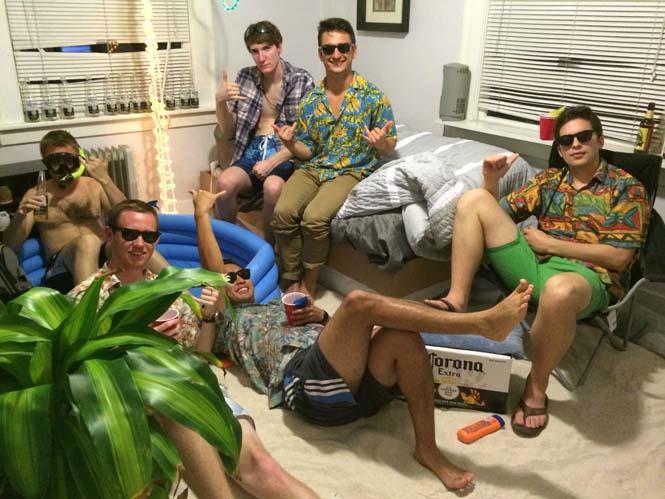 Μετέτρεψαν το δωμάτιο του φίλου τους σε παραλία (9)