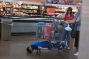Παιδιά που βαριούνται το Shopping (19)