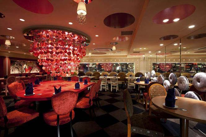 Περίεργα θεματικά εστιατόρια στην Ιαπωνία (15)