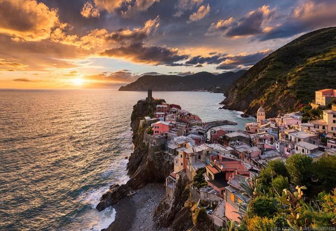 Ηλιοβασίλεμα στη Vernazza της Ιταλίας | Φωτογραφία της ημέρας