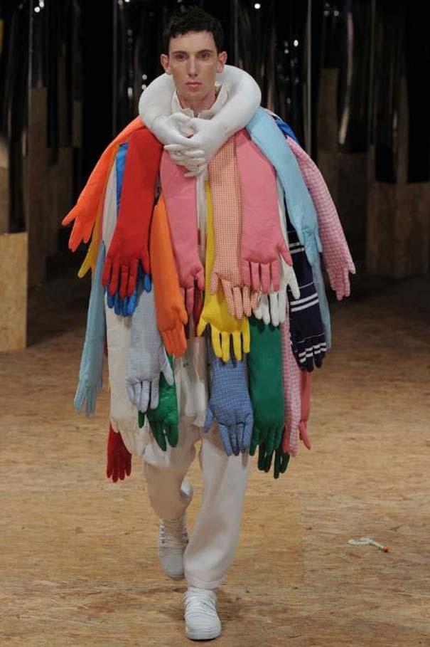 Τα πιο περίεργα πράγματα που έχουν φορεθεί σε μια επίδειξη μόδας (6)