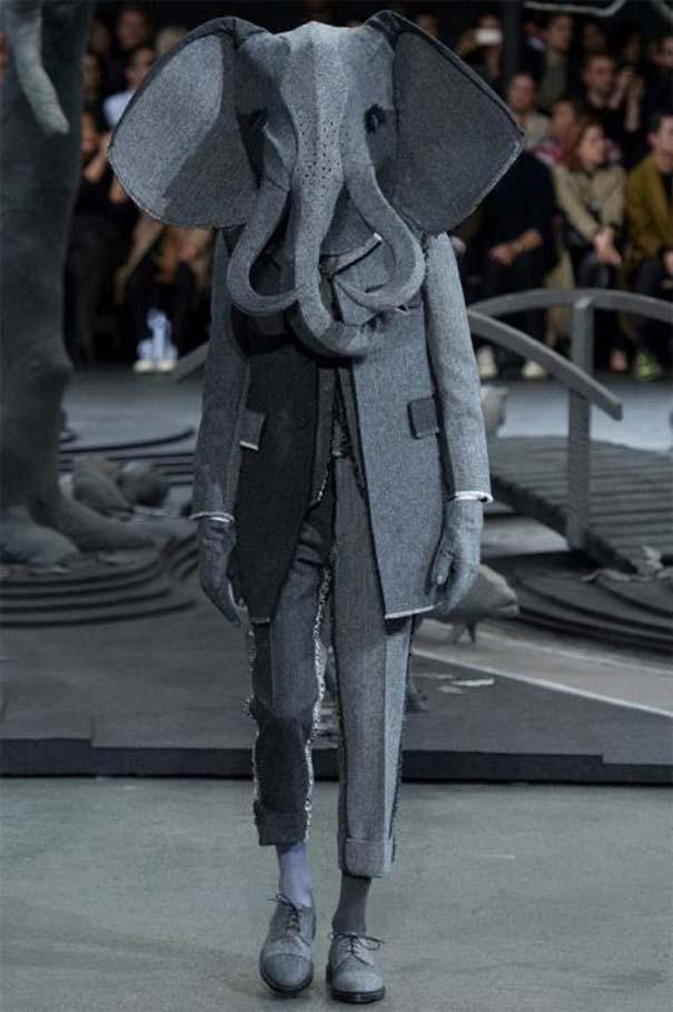 Τα πιο περίεργα πράγματα που έχουν φορεθεί σε μια επίδειξη μόδας (9)
