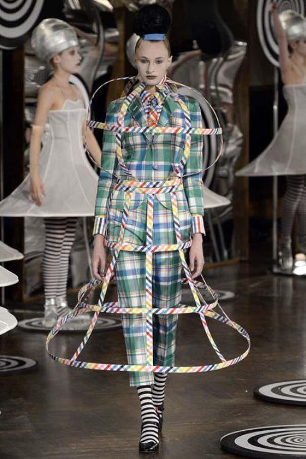 Τα πιο περίεργα πράγματα που έχουν φορεθεί σε μια επίδειξη μόδας (15)