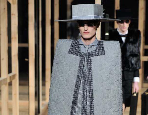 Τα πιο περίεργα πράγματα που έχουν φορεθεί σε μια επίδειξη μόδας (18)
