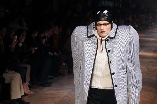 Τα πιο περίεργα πράγματα που έχουν φορεθεί σε μια επίδειξη μόδας (20)