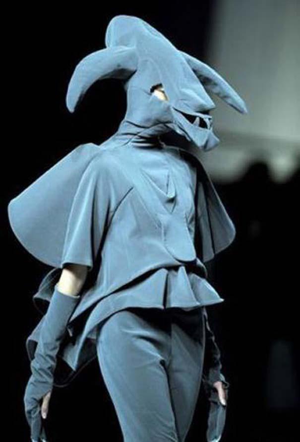 Τα πιο περίεργα πράγματα που έχουν φορεθεί σε μια επίδειξη μόδας (21)