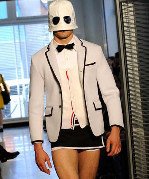 Τα πιο περίεργα πράγματα που έχουν φορεθεί σε μια επίδειξη μόδας (34)