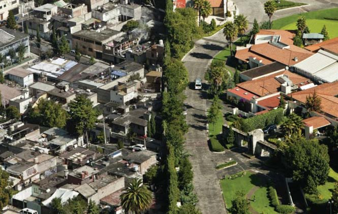 Πλούσιοι και φτωχοί σε απόσταση εκατοστών (2)