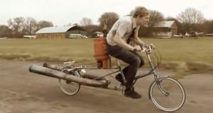 Πυραυλοκίνητο ποδήλατο (Video)