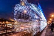 30.000 φωτάκια LED και μακρά έκθεση μετέτρεψαν τα τραμ της Βουδαπέστης σε χρονομηχανές (1)