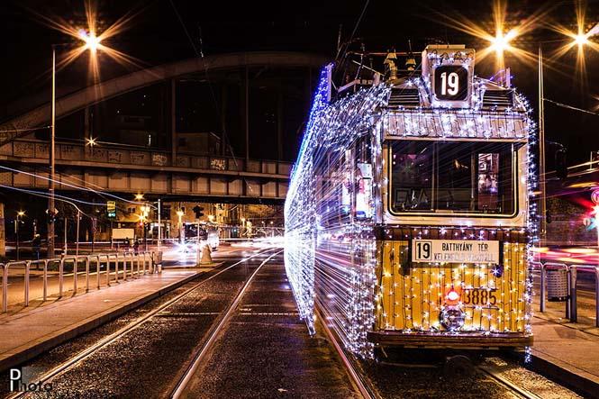 30.000 φωτάκια LED και μακρά έκθεση μετέτρεψαν τα τραμ της Βουδαπέστης σε χρονομηχανές (5)