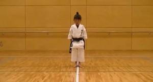 7χρονη με μαύρη ζώνη στο καράτε (Video)