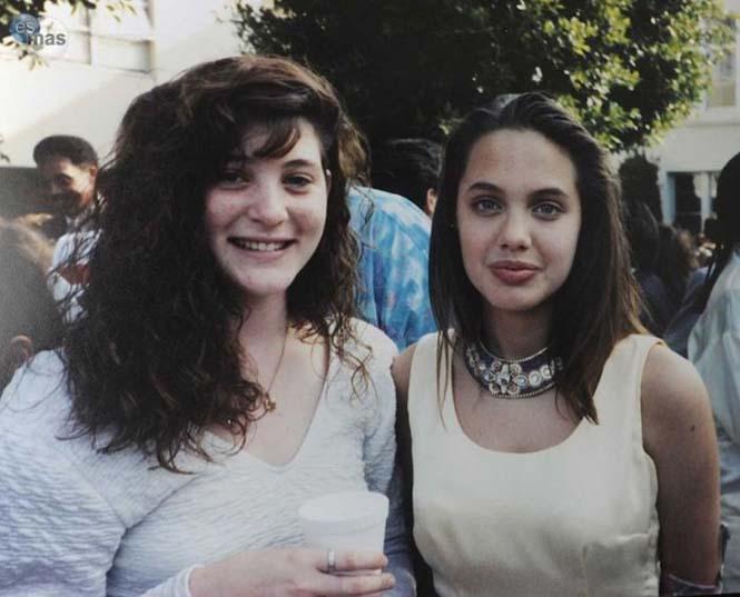 Angelina Jolie σε πολύ νεαρή ηλικία (3)