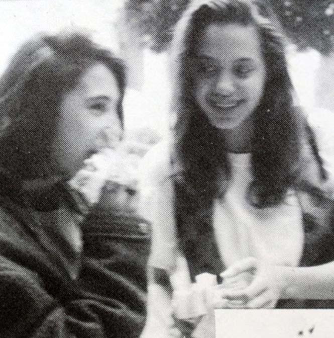 Angelina Jolie σε πολύ νεαρή ηλικία (12)