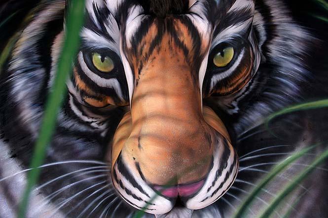 Άνθρωποι μεταμορφώνονται σε ζώα με την τέχνη του body painting (18)