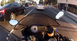 Απερίσκεπτος μοτοσικλετιστής αποφεύγει 5 φορές το μοιραίο μέσα σε λίγα δευτερόλεπτα (Video)