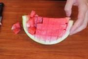 Απίθανα κόλπα για να κόψετε 5 καλοκαιρινά φρούτα