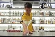 Ο Bruce Lee των barmen