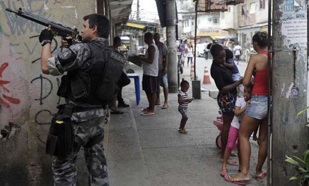 Εν τω μεταξύ, στη Βραζιλία... (7)
