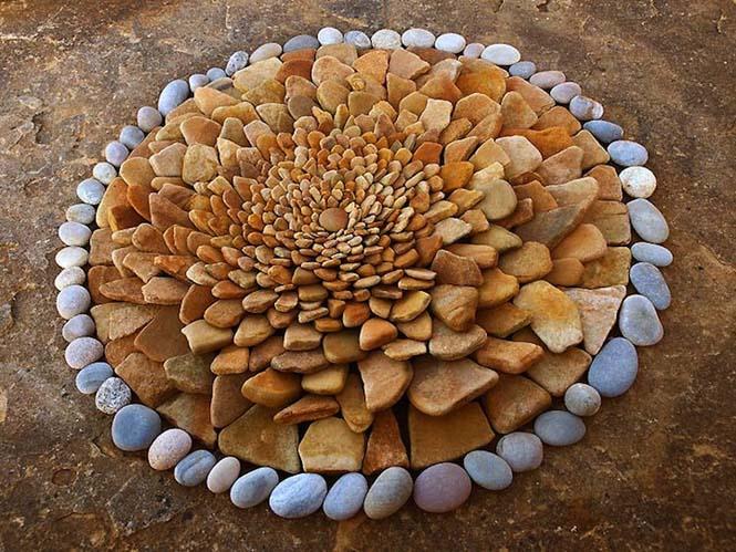 Εντυπωσιακά γεωμετρικά έργα τέχνης με βότσαλα και φύλλα (8)