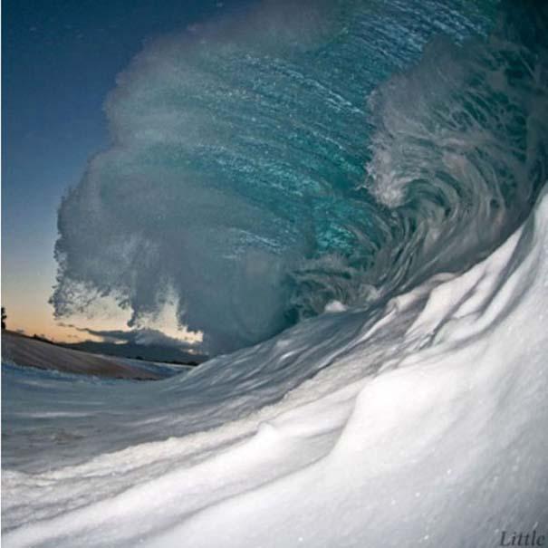 Εντυπωσιακές φωτογραφίες μέσα σε γιγάντια κύματα (10)