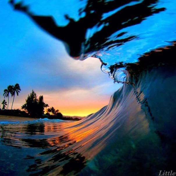 Εντυπωσιακές φωτογραφίες μέσα σε γιγάντια κύματα (12)
