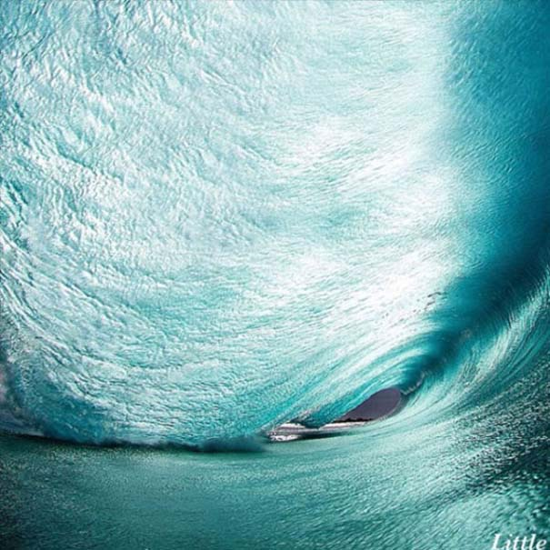 Εντυπωσιακές φωτογραφίες μέσα σε γιγάντια κύματα (6)