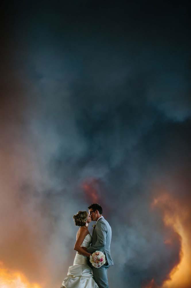 Φωτογράφηση γάμου με φόντο δασική πυρκαγιά (12)