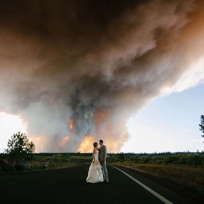 Φωτογράφηση γάμου με φόντο δασική πυρκαγιά (8)