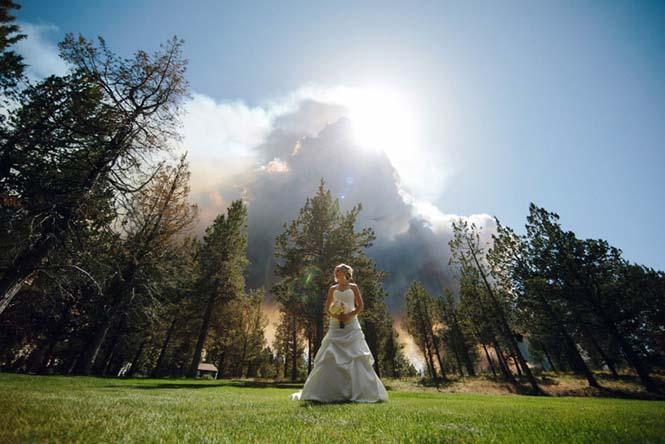 Φωτογράφηση γάμου με φόντο δασική πυρκαγιά (9)