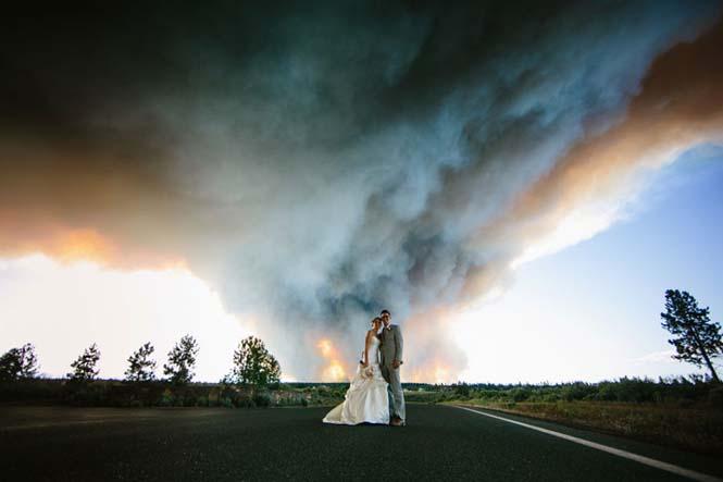 Φωτογράφηση γάμου με φόντο δασική πυρκαγιά (16)