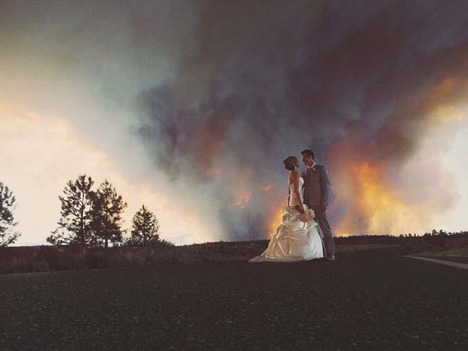 Φωτογράφηση γάμου με φόντο δασική πυρκαγιά (1)
