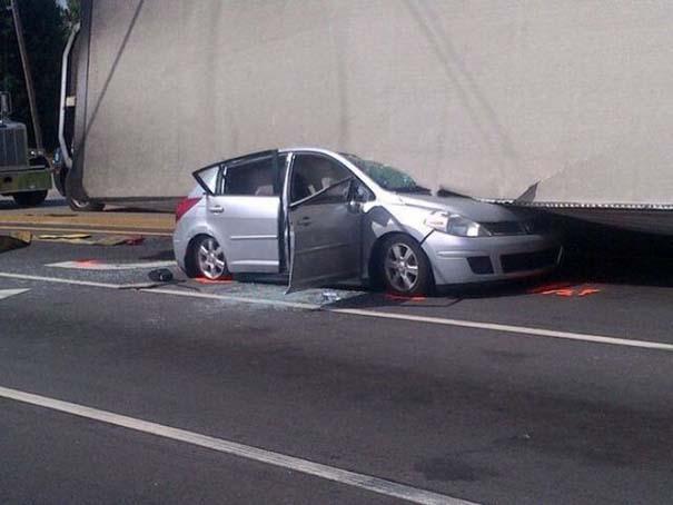 Καρότσα φορτηγού προσγειώθηκε σε ΙΧ - η οδηγός βγήκε αλώβητη! (5)