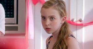 Έφηβη προσποιείται την πρώτη της περίοδο και μπλέκει σε ένα ξεκαρδιστικό εφιάλτη (Video)