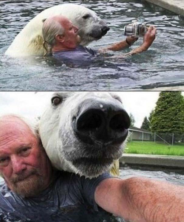 Selfies σε ακατάλληλες στιγμές (20)