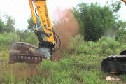 Τρομακτικό μηχάνημα σβήνει ολόκληρα δέντρα με ένα απλό άγγιγμα