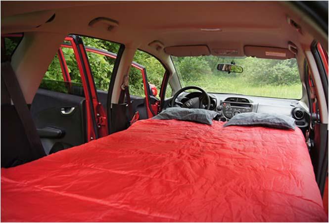 Βαλίτσα που μετατρέπει το αυτοκίνητο σε camping (4)