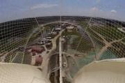 Δοκιμάζοντας την ψηλότερη νεροτσουλήθρα του κόσμου