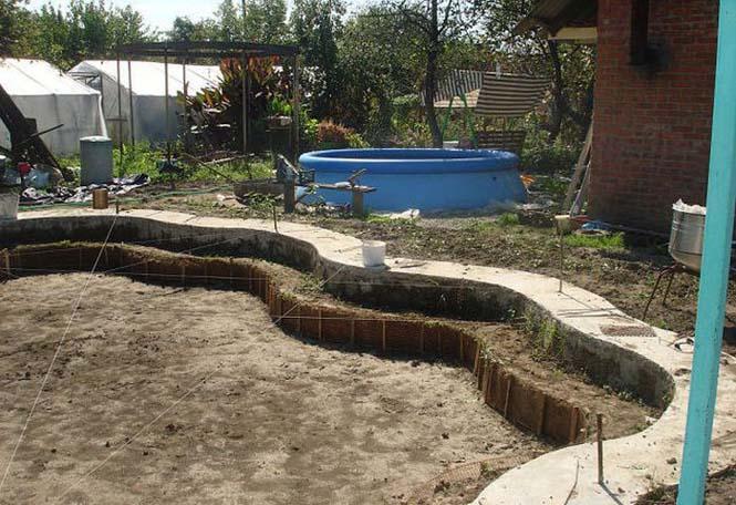Εντυπωσιακή αυτοσχέδια πισίνα στην αυλή (5)