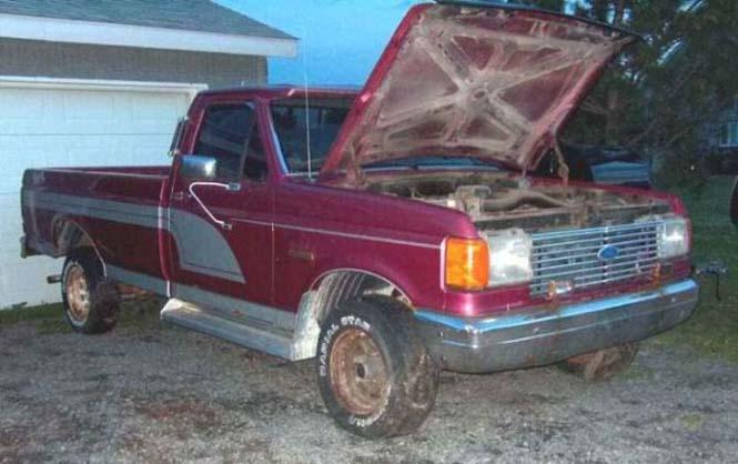 Ένα παλιό φορτηγάκι Ford F-150 μετατράπηκε σε εντυπωσιακό Hummer (2)