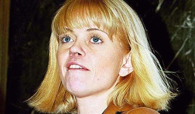 Γνωστή ηθοποιός δείχνει τις τραγικές συνέπειες της κοκαΐνης στη μύτη της (2)