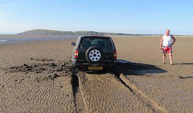 Ένας καλός λόγος για να μην παρκάρεις το αυτοκίνητο σου στην παραλία (2)