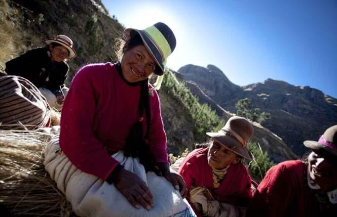Η κατασκευή μιας αυτοσχέδιας κρεμαστής γέφυρας στο Περού (14)