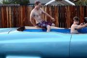 Μετατρέποντας μια Cadillac σε... κινούμενη πισίνα (1)