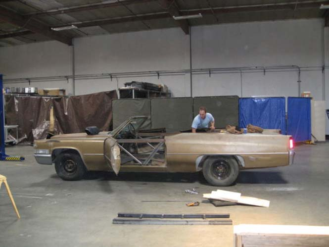 Μετατρέποντας μια Cadillac σε... κινούμενη πισίνα (4)