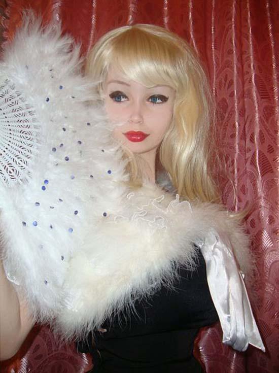 Μια νέα «ζωντανή κούκλα» από την Ρωσία (3)