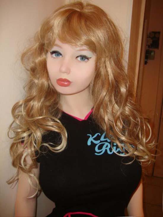 Μια νέα «ζωντανή κούκλα» από την Ρωσία (12)