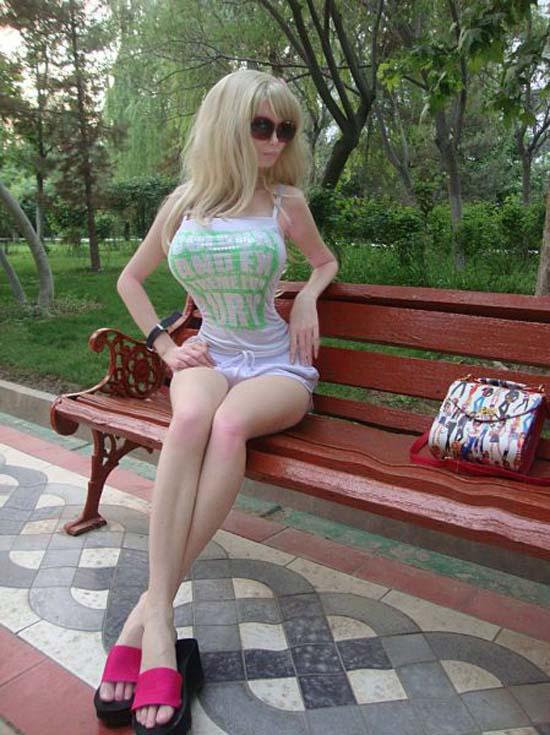 Μια νέα «ζωντανή κούκλα» από την Ρωσία (15)