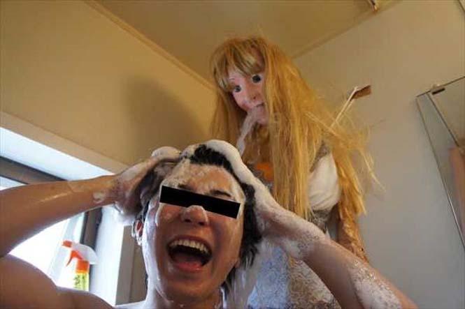 Ντροπαλός Ασιάτης ήθελε να κάνει μπάνιο με μια κοπέλα κι έτσι κατέφυγε σε μια περίεργη λύση (14)