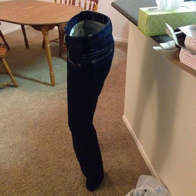 Ξέρεις ότι έφτασε η στιγμή να πλύνεις το jean σου, όταν... | Φωτογραφία της ημέρας